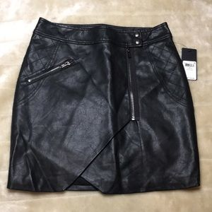 Guess Faux-Leather Zip Skirt